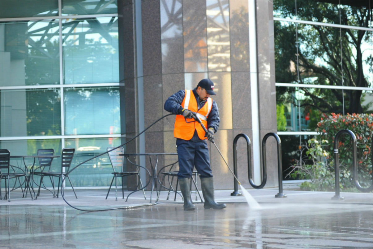 CommercialPressureWashing